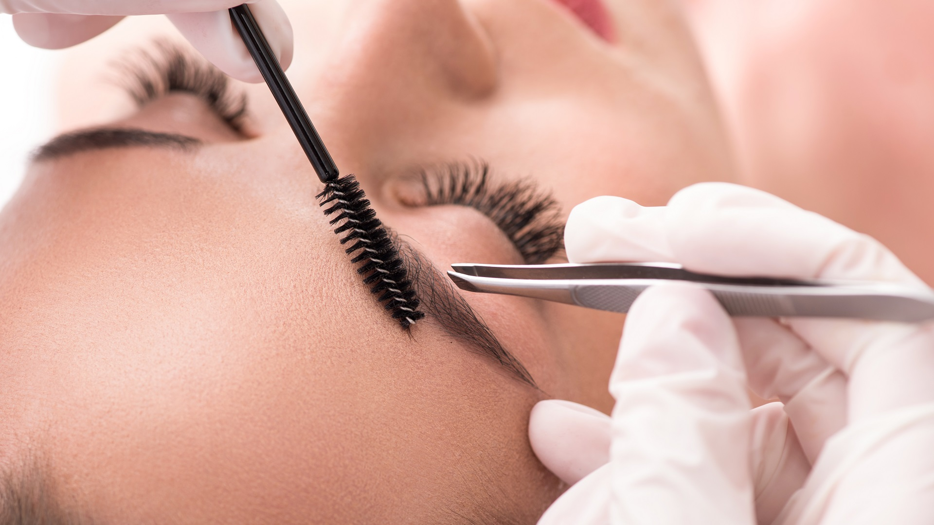 Brow sculpting, brow shaping, brow specialist, brow waxing, waxing salon north brisbane